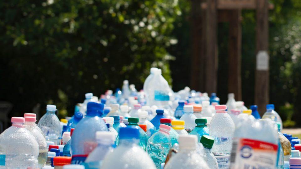 Reciclaje y reutilización de plásticos
